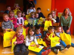 die stolzen Dreijährigen mit ihrem Lesestart-Set
